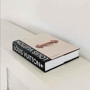 Louis Vuitton Accent book